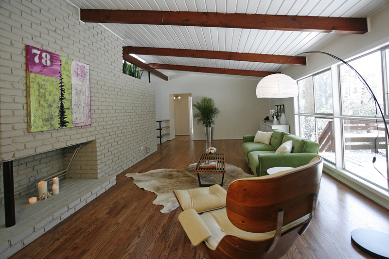 Before after a dramatic mid century modern renovation for Remodeling a mid century modern home