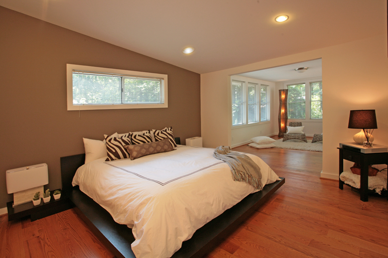 Entertainer 39 S Modern Dream Home Before After Domorealty