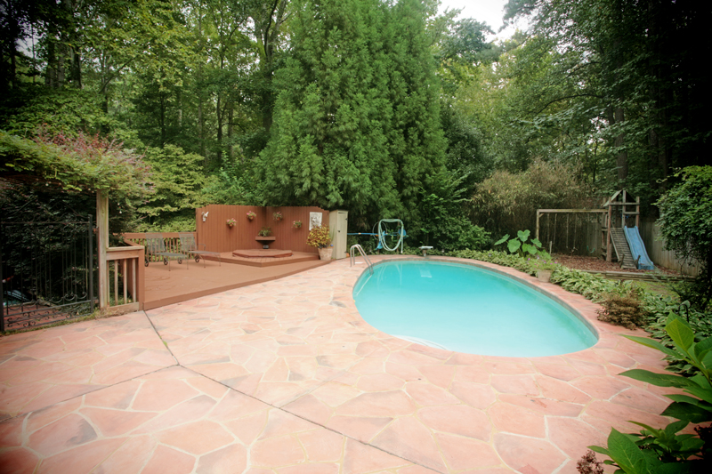 Atlanta contemporary homes with pools for sale