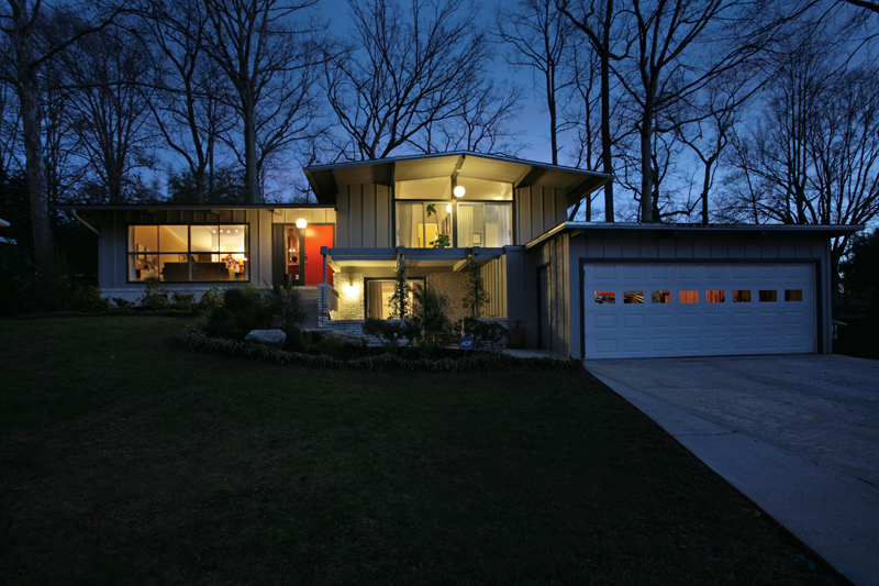 In town mid century modern home just listed domorealty Contemporary homes atlanta