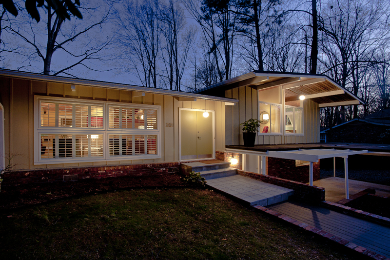 Mid century modern showstopper just listed domorealty Modern houses in atlanta