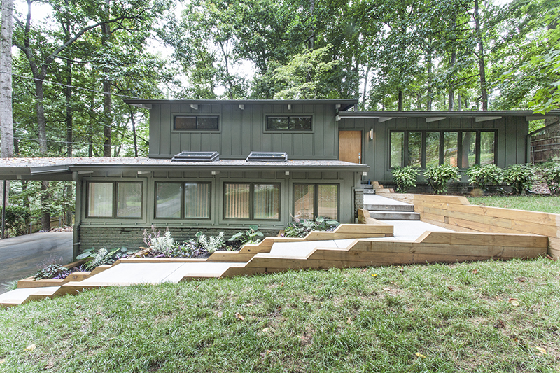 Just listed! Stunning mid-century modern in Northcrest.