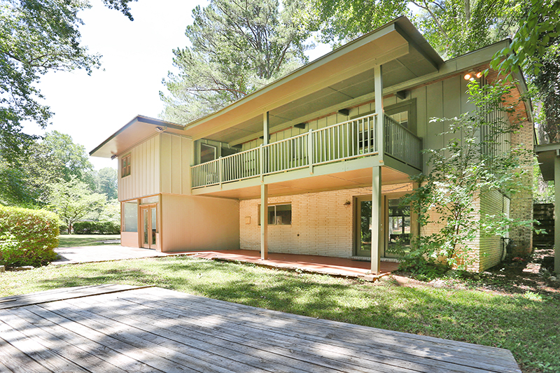 PRIME Northcrest Neighborhood location,Buckhead, Midtown, Perimeter, CDC, Emory, Decatur,Mid-Century Modern Mecca, Mid-century Modern Homes Atlanta, Atlanta Mid-Century Modern, Modern Homes Atlanta GA, Atlanta Modern homes for sale, Atlanta contemporary homes for sale, MCM homes Atlanta, Northcrest Homes for sale, Northwoods Homes for sale, Domo Realty, Vanessa Reilly
