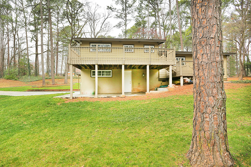 Atlanta Mid-Century Modern Homes for sale, Atlanta Mid-Century Modern, Modern Homes for sale Atlanta GA, Atlanta Modern Homes for sale, Atlanta Contemporary Homes for sale, Northcrest Modern, Modern Northcrest Homes, Doraville Homes, Buckhead Homes, Brookhaven Homes, Chamblee Homes, Atlanta Cabin Homes, East Coast Modern, Southern Hollywood Atlanta GA, MCM Atlanta Homes, Mid-Mod Homes, Domo Realty, Vanessa Reilly, Mid-Century Style Atlanta, Mid-Century Modern, Modern Mid-Century, Atlanta Real Estate, Atlanta Homes under $500k