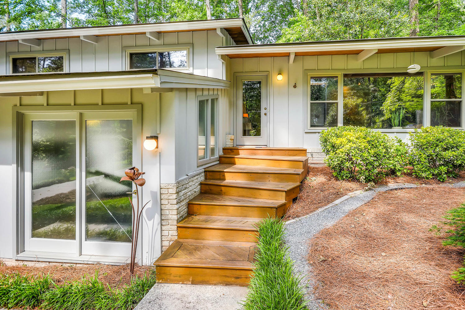 Atlanta mid century homes for sale archives domorealty for Modern homes