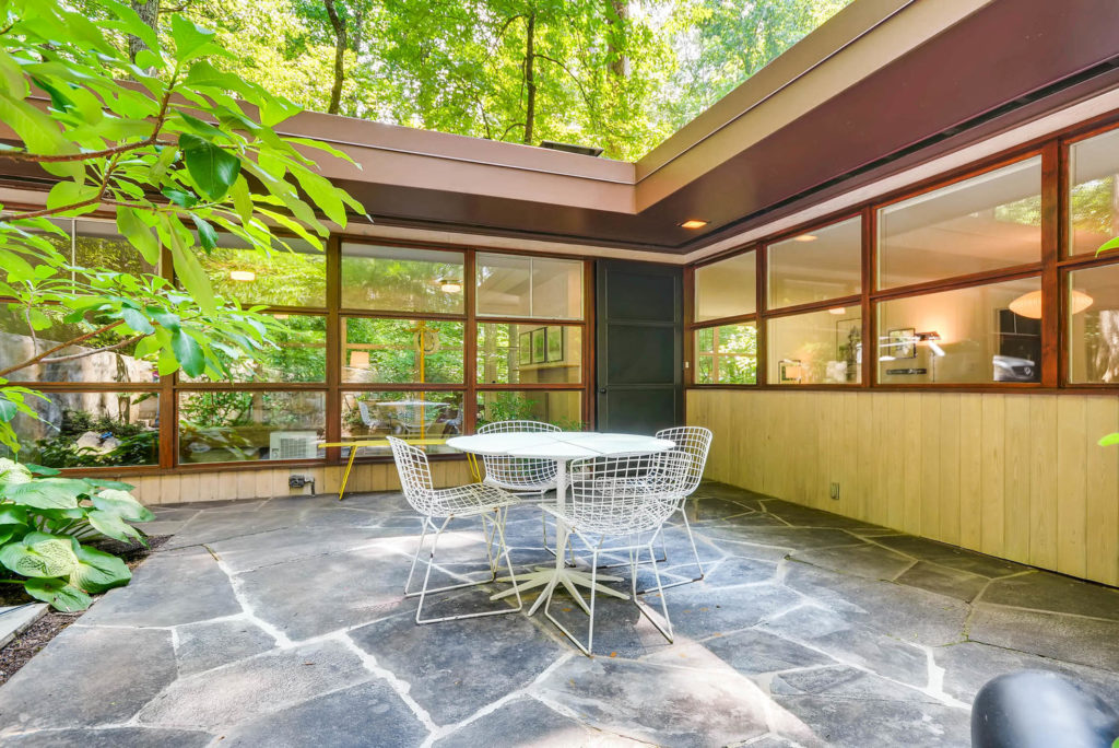 Atlanta Modern homes for sale, Atlanta Mid-Century Modern homes for sale, Atlanta Mid-Century Homes for sale, Mid-Century Atlanta Modern Homes, Atlanta MCM, Atlanta Mid-Century Modern, intown modern Atlanta, Ike Saporta, Saporta Architect, Historic Druid Hills, Druid Hills, CDC, Emory,