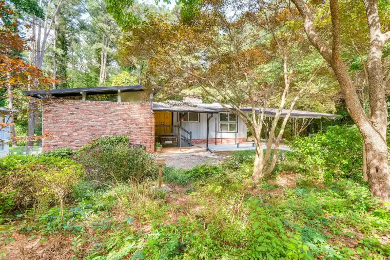 3449 Regalwoods Drive, Mid-Century Modern Home, Northcrest Modern, Modern Homes for sale Atlanta GA, Mid-Century Modern homes for sale Atlanta GA, MCM homes, Contemporary Homes