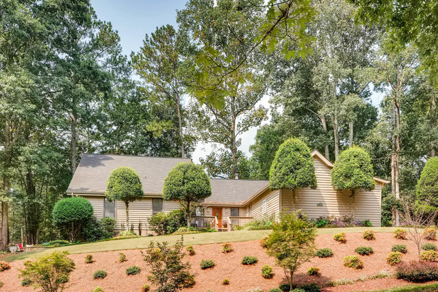 Modern Homes Atlanta, Roswell Modern Homes, Homes in Roswell GA for sale, Roswell Real Estate for sale, Loch Highland Neighborhood, Roswell contemporary Homes