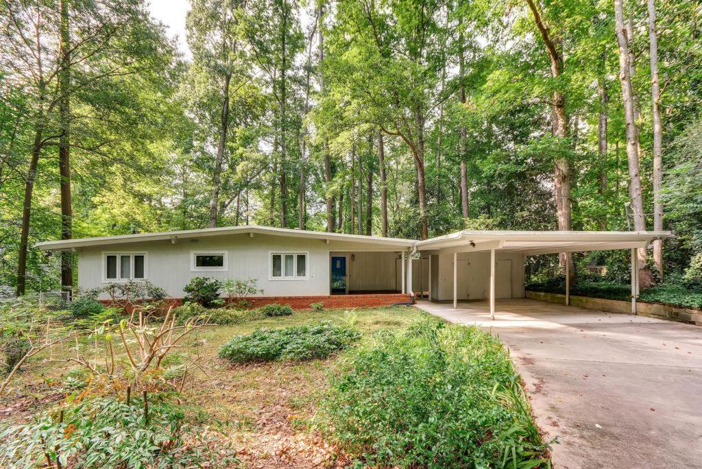 It's no secrete that mid-century modern homes have a major cool factor! Atlanta mid-century modern homes for sale, MCM Atlanta Homes, Atlanta modern homes for sale, mid-century atlanta, atlanta mid-century